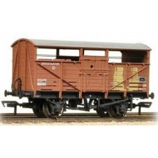 37-712C 8 ton Cattle wagon BR bauxite weathered