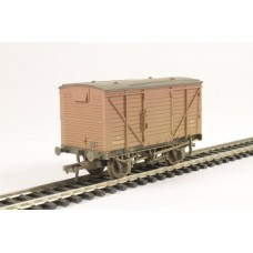 37-804 12 Ton planked ventilated van BR Bauxite weathered