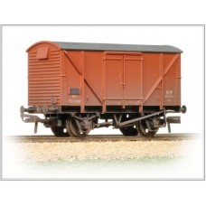 38-182 12T BR Plywood fruit van Bauxite (early) Weathered