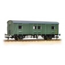 39-527 Ex-Southern PMV parcels & miscellaneous BR Green