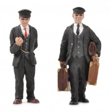 Bachmann Scenecraft 16mm Scale Porter and Station Master